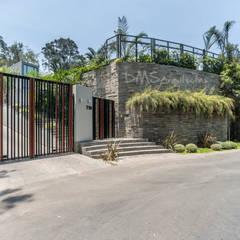 CASA EN CASUARINAS MC: Casas de estilo  por DMS Arquitectas, Moderno