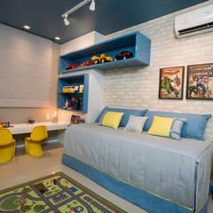 modern Nursery/kid's room by Bee Arquitetura Criativa