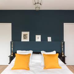 Création d'un appartement sur plans: Chambre de style de style Minimaliste par Mon Concept Habitation