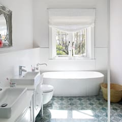 Cape Town:  Bathroom by Natalie Bulwer Interiors