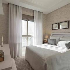 Suite Hospedes: Quartos  por Flávia Kloss Arquitetura de Interiores