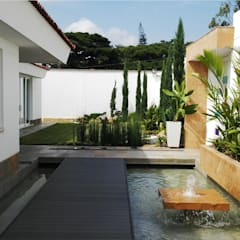 RECICLAJE ARQUITECTONICO CASA CIUDAD JARDIN: Jardines de estilo  por ION arquitectura SAS