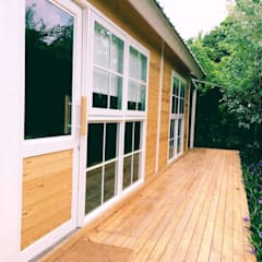 MIRAKI Art school & Workshop:  หน้าต่าง โดย ห้างหุ้นส่วนจำกัด พอสซิเบิล ดีไซน์, ชนบทฝรั่ง ไม้ Wood effect