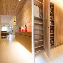 ระเบียงและโถงทางเดิน by 果仁室內裝修設計有限公司