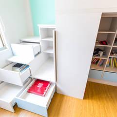 小孩房儲物:  嬰兒房/兒童房 by 果仁室內裝修設計有限公司