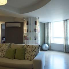 客廳景觀窗:  健身房 by 果仁室內裝修設計有限公司
