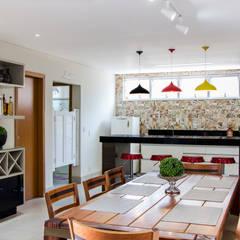 ห้องครัว by Novità - Reformas e Soluções em Ambientes