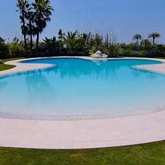 tropical Pool by Piscinas Godo