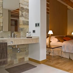 CASA EN PALERMO: Baños de estilo moderno por Arquitecta MORIELLO