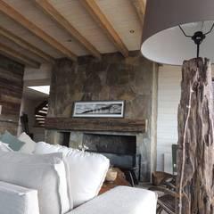 casa Bambach - Vial: Livings de estilo  por David y Letelier Estudio de Arquitectura Ltda.,