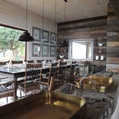 casa Bambach - Vial: Comedores de estilo  por David y Letelier Estudio de Arquitectura Ltda.
