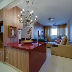 Projeto apartamento de 59m2 com sala e cozinha integrado : Salas de jantar modernas por 360+ arquitetura e interiores