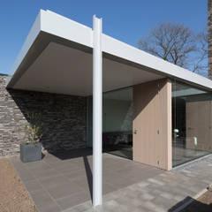Energiepositieve woning:  Terras door Joris Verhoeven Architectuur