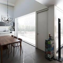 Energiepositieve woning:  Keuken door Joris Verhoeven Architectuur