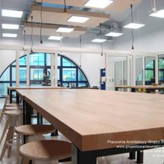 Design Center w American School of Warsaw: styl , w kategorii Szkoły zaprojektowany przez IN