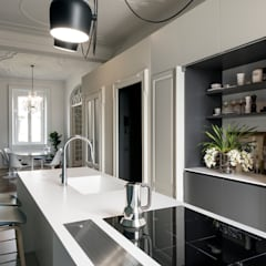 classic Kitchen by Tommaso Giunchi Architect