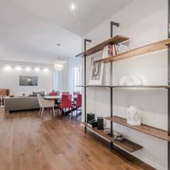 Ristrutturazione appartamento Milano, Tibaldi: Soggiorno in stile  di Facile Ristrutturare