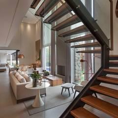 Projeto de Interiores - Barão: Salas de estar  por Maira Del Nero Arquitetura e Interiores,