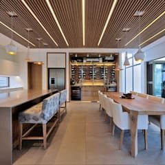 Project Stellenbosch:  Dining room by Dear Zania Interiors,