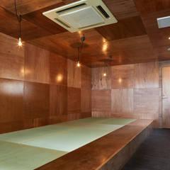   料理とお酒 晴ル: 一級建築士事務所 こよりが手掛けた和室です。,ミニマル