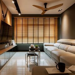 Bartley Residence Interior Design Sinagapore - Living Room:  Living room by Posh Home Interior Design