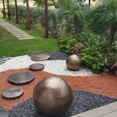 Jardines sala de ventas Corcega / Novaterra Ocean City - Barranquilla: Jardines de estilo  por ecoexteriores