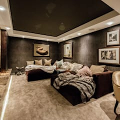 Luxurious Clifton Apartment:  Media room by Inhouse , Modern