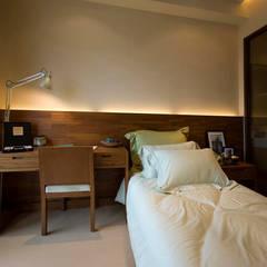 Dormitorios de estilo asiático por 果仁室內裝修設計有限公司