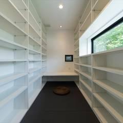 Air Living® Cな家: フォーレストデザイン一級建築士事務所が手掛けた書斎です。
