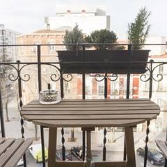 El balcón: Terrazas de estilo  de emmme studio