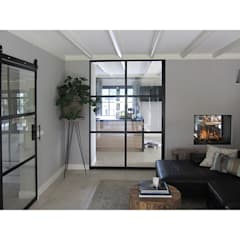 Foto 3 woonkamer: moderne Woonkamer door Anne-Carien Interieurarchitect