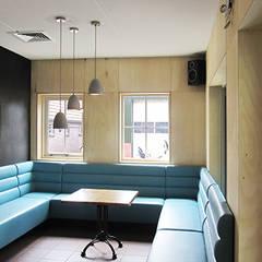 Foto 1 snackbar zithoek:  Gastronomie door Anne-Carien Interieurarchitect