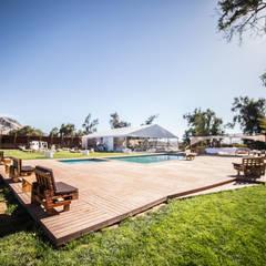 Centro de Eventos Parque Chamonate, Atacama, Chile : Lugares para eventos de estilo  por SINTESIS arquitecto & asociados