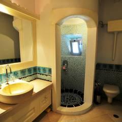 Ebru Erol Mimarlık Atölyesi – Ebru Erol Mimarlık Atölyesi:  tarz Banyo
