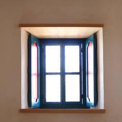Ebru Erol Mimarlık Atölyesi – Restorasyon sonrası:  tarz Pencere