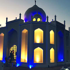 Mausoleo Taj Mahal: Casas de estilo asiático por Grupo Serrato Arquitectos