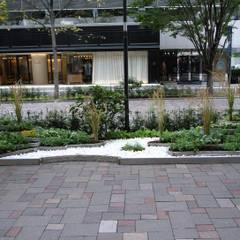 丸の内・ライステラスガーデン: 株式会社小木野貴光アトリエ 級建築士事務所が手掛けたイベント会場です。