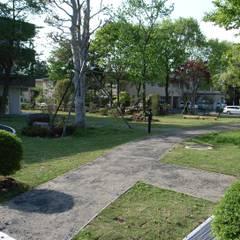 株式会社小木野貴光アトリエ 級建築士事務所의  정원 연못, 북유럽