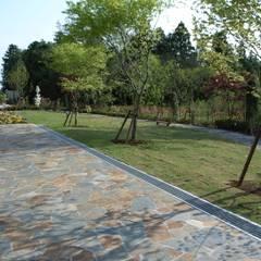 癒しの庭: 株式会社小木野貴光アトリエ 級建築士事務所が手掛けたロックガーデンです。