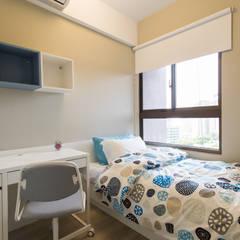 豐悅城-都會風:  嬰兒/兒童房 by 宅即變空間微整形