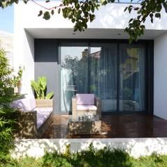Estar Exterior: Terraços  por Peritraço Arquitectura