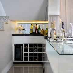 Projeto de interiores Adegas clássicas por dm arquitetura e interiores - Dayane e Marina Chemin Clássico