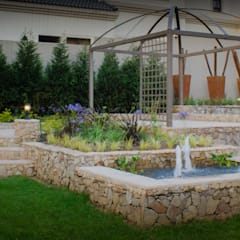 Rogers - Pool area:  Garden by The Friendly Plant (Pty) Ltd, Country