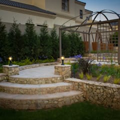 Rogers - Pool area:  Garden by The Friendly Plant (Pty) Ltd,