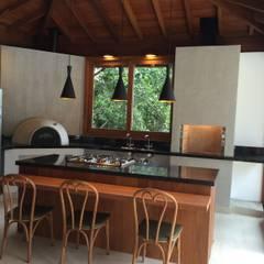 مطبخ تنفيذ Carlos Parada & Associados, بلدي
