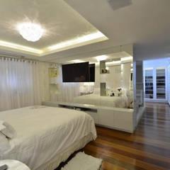 Bedroom by Tiede Arquitetos