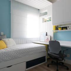 Apartamento em São Paulo: Quartos  por Danyela Corrêa Arquitetura,Moderno