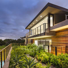 House Umhlanga:  Gym by Ferguson Architects,