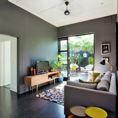 House Morningside:  Media room by Ferguson Architects,