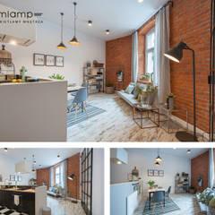 Metamorfoza mieszkania w kamienicy: styl , w kategorii Salon zaprojektowany przez Mlamp